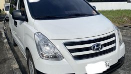 Selling White Hyundai Grand Starex 2016 in Binan