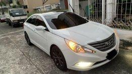 Sell White 2010 Hyundai Sonata in Manila