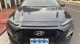 Selling Hyundai KONA 2020