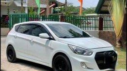 White Hyundai Accent 2017