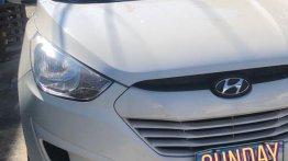 Selling White Hyundai Tucson 2013