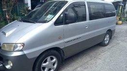Selling Hyundai Starex 2002