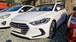 Selling Hyundai Elantra 2018