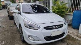 White Hyundai Accent 2014