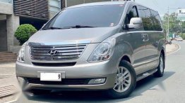 Silver Hyundai Starex 2015