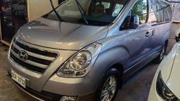 Selling Silver Hyundai Grand Starex 2016 in Pasig