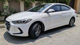 White Hyundai Elantra 2018 for sale in Automatic