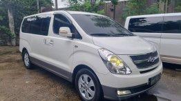 White Hyundai Starex 2011 for sale in Malabon