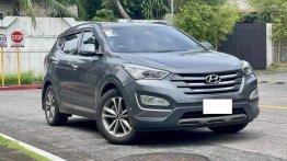 Grey Hyundai Santa Fe 2014 for sale in Makati