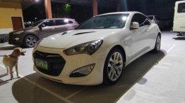 Selling White Hyundai Genesis 2013 in Bulakan