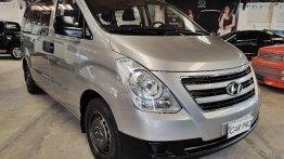 Selling Brightsilver Hyundai Grand Starex 2016 in San Fernando