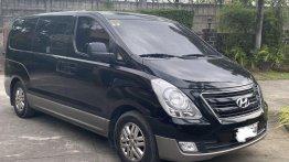 Sell 2017 Hyundai Starex in San Fernando