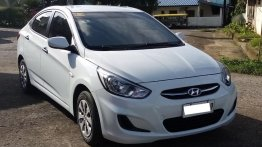 Sell White 2018 Hyundai Accent in Trece Martires