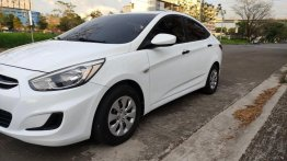 White Hyundai Accent 2015 for sale in Quezon