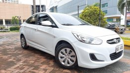 Selling Pearl White Hyundai Accent 2019 in Cainta