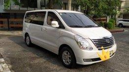 Selling White Hyundai Starex 2015 in Manila
