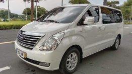 Selling Pearl White Hyundai Grand Starex 2015 in Pasig