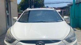 White Hyundai Tucson 2.0 CRDi (A) 2012