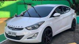 White Hyundai Elantra 2015 for sale in Trece Martires