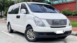 Sell White 2015 Hyundai Starex in Makati