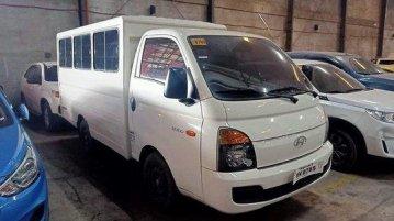 White Hyundai H-100 2018 for sale in Quezon