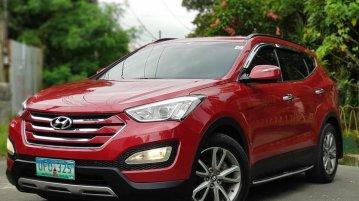 Selling Red Hyundai Santa Fe 2013 SUV / MPV in Manila
