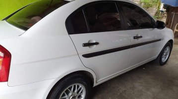 Sell White 2010 Hyundai Accent in Manila