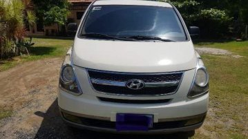 Selling White Hyundai Starex 2011 in Manila