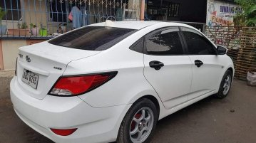 Selling Pearl White Hyundai Accent 2015 in Tarlac