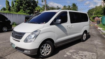 White Hyundai Grand Starex 2012 for sale in San Juan