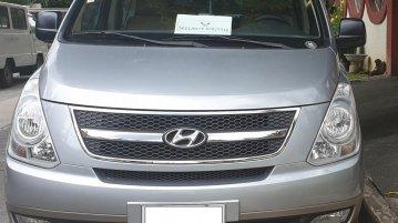 Selling Brightsilver Hyundai Starex 2014 in Quezon