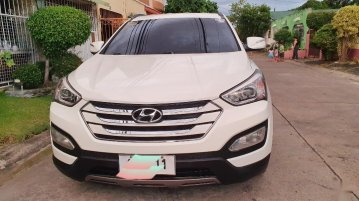 White Hyundai Santa Fe 2005 for sale in Manila