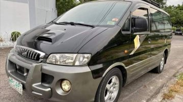 Black Hyundai Starex 2000 for sale in Valenzuela