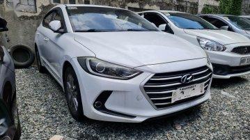Sell White 2018 Hyundai Elantra