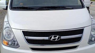 White Hyundai Starex 2009 for sale