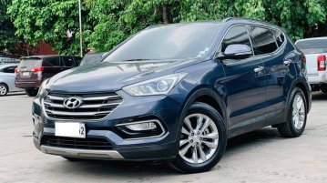 Selling Blue Hyundai Santa Fe 2017 in Quezon