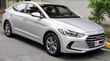 Silver Hyundai Elantra 2019 for sale in Automatic