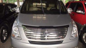 Silver Hyundai Starex 2015 for sale in Imus