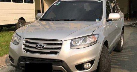 Silver Hyundai Santa Fe 2012 Automatic Diesel for sale
