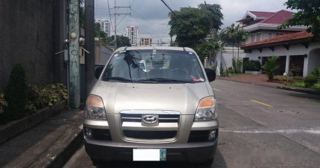 Selling Silver Hyundai Starex 2005 in Manila