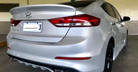 Silver Hyundai Elantra 2017 for sale in Manual