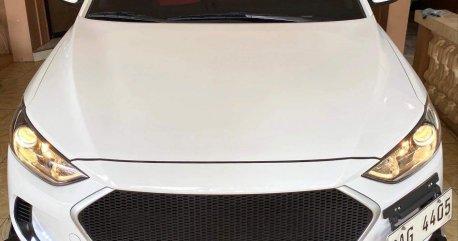 Selling White Hyundai Elantra 2017 in Muntinlupa