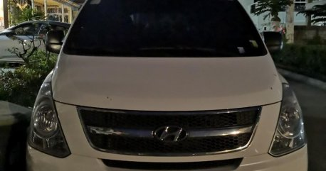 Selling White Hyundai Grand Starex 2012 in Silang