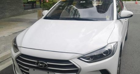 White Hyundai Elantra 2011 for sale in Pasig