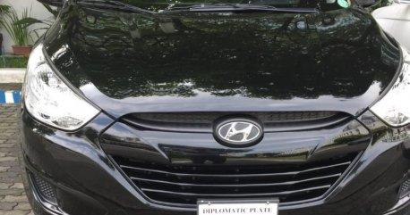 Selling Black Hyundai Tucson 2012 in Makati