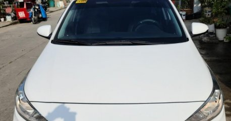 Selling White Hyundai Accent 2020 in Caloocan