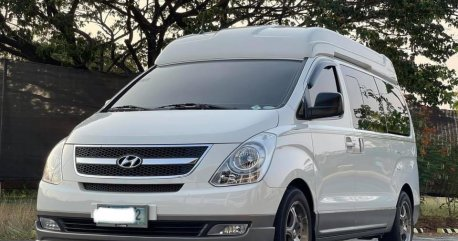 White Hyundai Grand Starex 2011