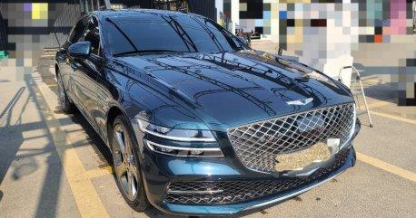 Selling Hyundai Genesis 2021