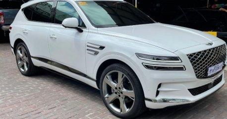White Hyundai Genesis 2021
