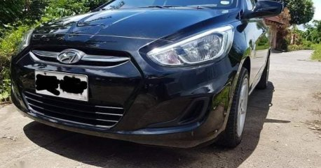 Selling Hyundai Accent 2016